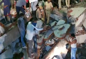 Building collapse in Gujarat: 3 dead, 1 injured in Vadodara's Bawamanpura, rescue operation underway