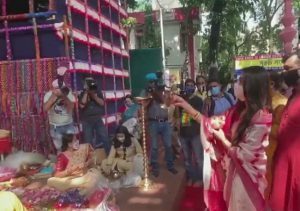 TMC MP Nusrat Jahan celebrates Durga Ashtami; dances & plays traditional drum (VIDEO)