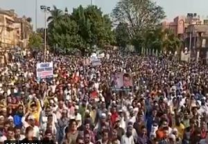 Prophet Muhammad cartoon row: Protests in Bhopal, Mumbai & Aligarh against French President Macron (VIDEO)