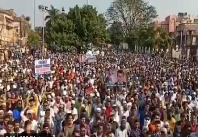 Protests in Bhopal against Macron