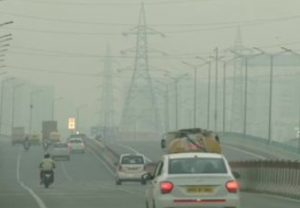 Layer of haze lingers over Delhi as the air quality deteriorates in national capital