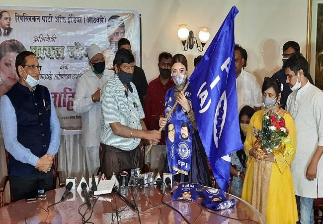 Actor Payal Ghosh joins Ramdas Athawale-led Republican Party of India, named vice president of women's wing