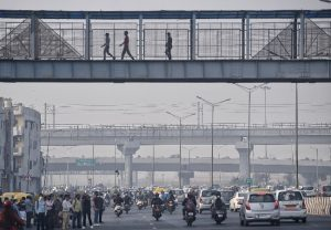Delhi air quality deteriorates with the rise of pollutants in the atmosphere; See Pics