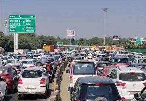Heavy traffic at Delhi-Gurgaon border amid farmer protests