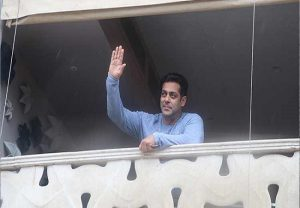 Salman Khan in self-isolation after his driver & 2 staff members test Covid +ve