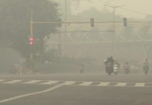 Delhi Pollution: Air quality remains in 'severe' category in National Capital