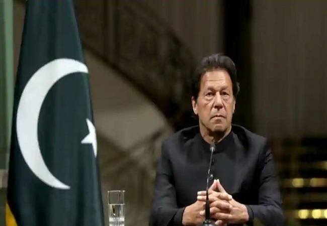 Almost half of Pakistanis blame Imran Khan govt for inflation: Survey