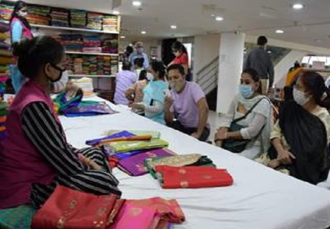 Khadi India registers record single-day sale; Crossed Rs 1 cr for 4 times in 40 Days