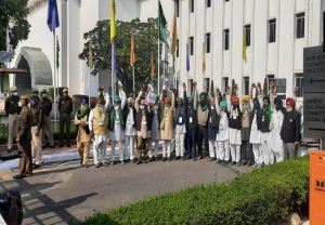 Govt-farmer leaders meeting concludes, another meet to be held on Dec 5
