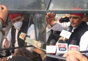 Farmers Protest: Akhilesh Yadav detained by UP cops, bundled into police van after he sits on dharna against farm bills