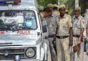 Delhi Police Special Branch officers attacked by protesting farmers at Singhu border