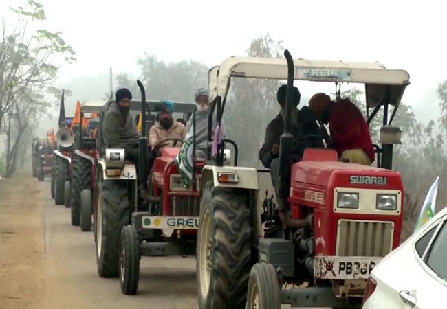 Farmers leaves from Ludhiana for Delhi for tractor march