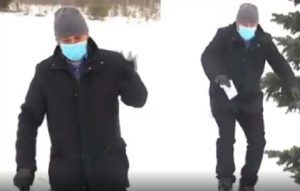 Canadian TV reporter glides over snow during LIVE bulletin, netizens amused (VIDEO)