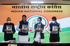 'Farm laws designed to destroy Indian agriculture', says Rahul; releases booklet 'Kheti ka khoon'