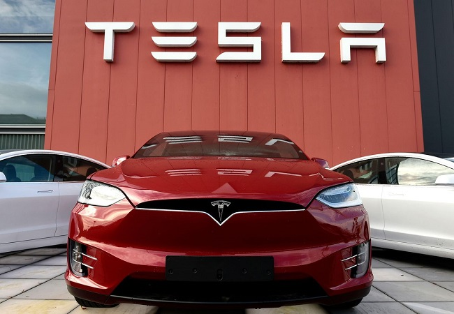 Tesla to recall 158,000 cars due to failing displays?
