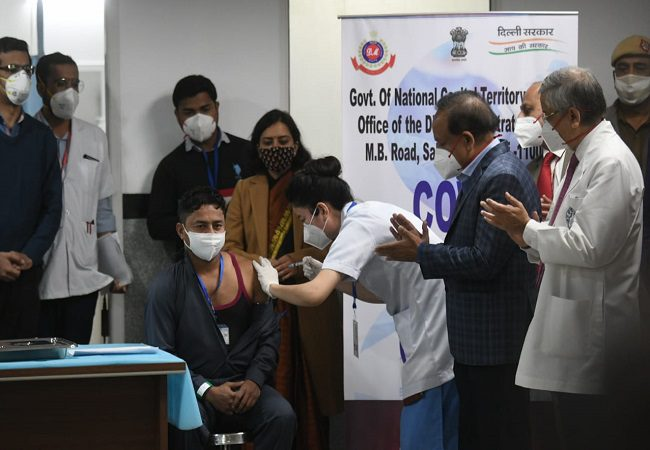 Beginning of end of Covid-19 LIVE UPDATES: Vaccination drive under way across India, 3cr to be inoculated in phase 1
