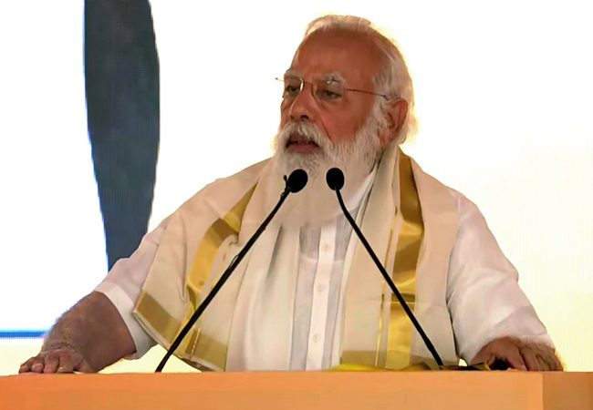 PM launches developmental projects in Kerala, focusses on tourism