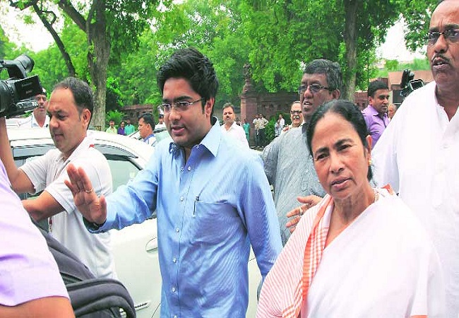 CBI team reaches at Mamata's nephew Abhishek Banerjee's to question his wife in coal scam probe