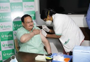 BJP president JP Nadda receives first shot of COVID-19 vaccine