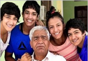 Babita Phogat's sister commits suicide after losing wrestling match