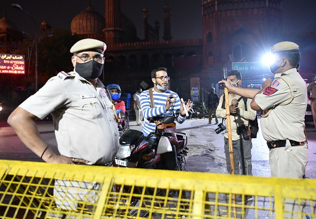 Delhi night curfew: 842 people fined, 220 cases registered for violating norms on Day 1