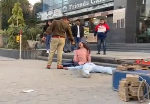Viral Check: Double murder by cop outside a mall in Haryana caught on camera? Know the truth