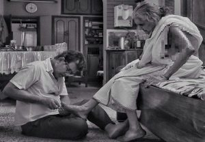 Viral image of 65-year-old man cutting nails of 98-year-old mother is winning the internet (WATCH)