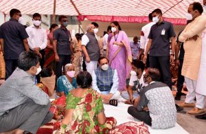 Covid-19: CM Rupani visits Civil hospital in Jamnagar, motivates patients' relatives