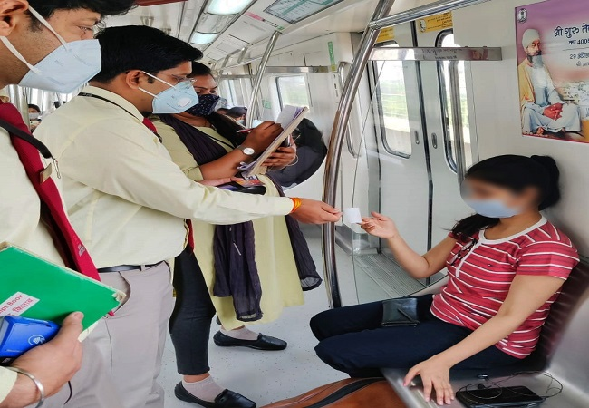 Delhi Metro's flying squad penalises 672 commuters for violating Covid-19 rules