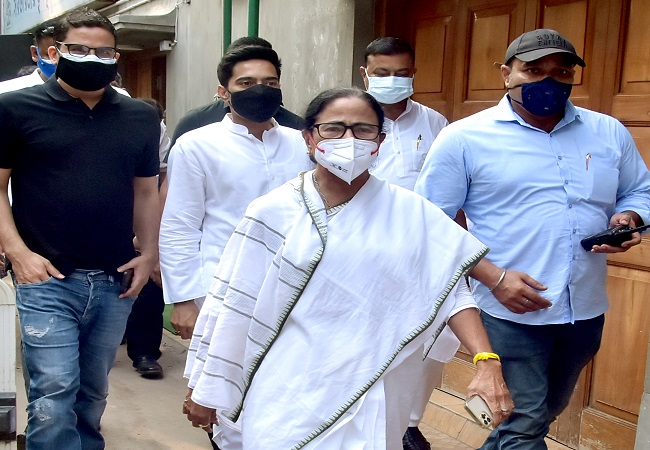 Mamata to be sworn in as West Bengal CM for third term on May 5