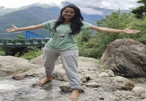 Himachal's scary landslide killed this doctor, minutes ago she had tweeted this photo