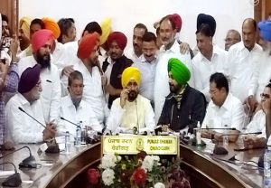 New Punjab CM effects administrative reshuffle, Hussan Lal to replace Tajveer Singh as Principal Secy
