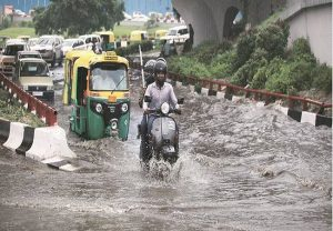 UP: Non-stop rains brings life to a grinding halt; schools, colleges shut; roads waterlogged