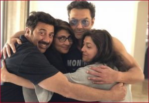 On Sunny Deol's birthday, brother Bobby shares group picture of his siblings