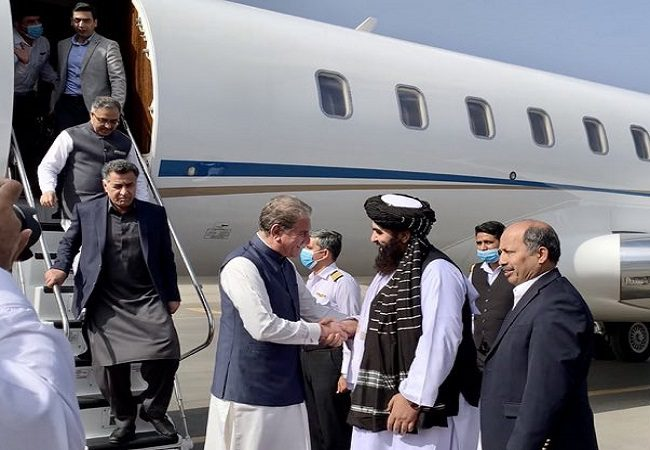 Pak Foreign Minister meets interim Afghanistan PM, holds bilateral talks in Kabul